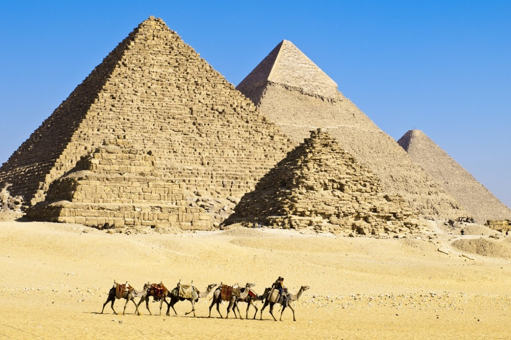 Egypt: pyramids, desert and military rule