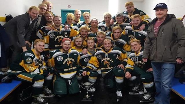 Canada hockey team bus crash kills 14