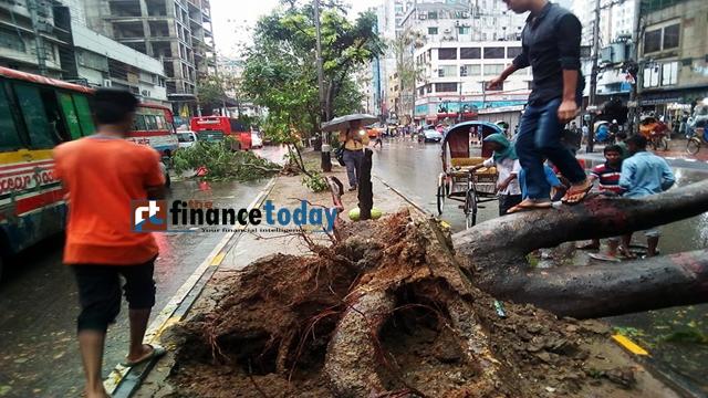 Rain accompanied by gusty wind lashed the capital again on Monday morning. The photo was taken from capital's Bijoy Nagar area. Photo: Nirmal Barman